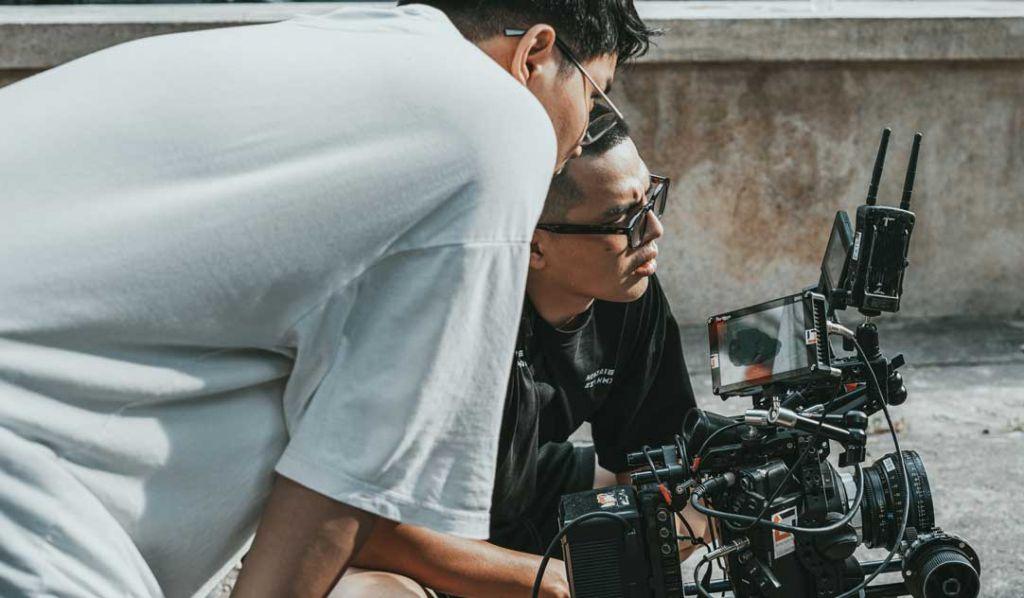 4 Alasan kenapa harus Memakai Wide Shot Pada Pengambilan Gambar